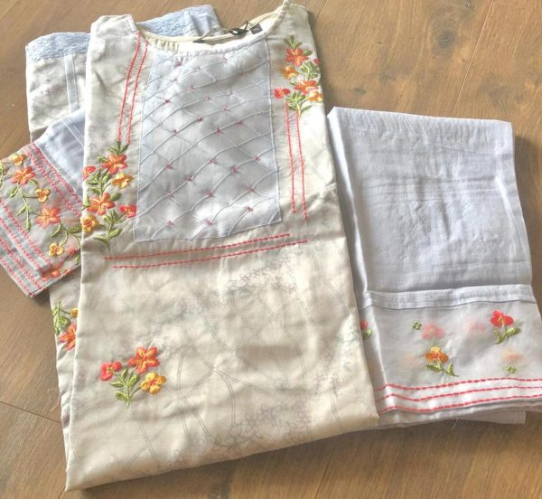 Pure Organza embroidered Kurta with printed Cotton Inner and Pure Linen Pant Set